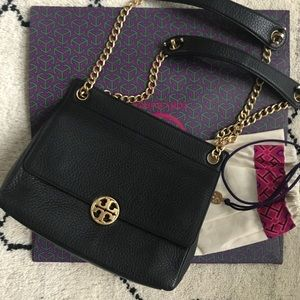 Tory Burch Chelsea Flap Shoulder Bag - Black